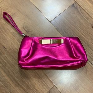 VS pink pouch